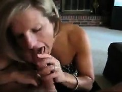 Hot mother sucks on dick that is daddys