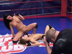 Dyke Babe Fingers Pussy After Nude Wrestling