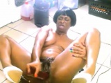 Wild amateur ebony with short hair toying and squirting