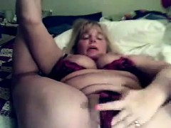 Flexible masturbates on camera