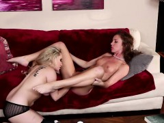 MILF Aiden fingers Maddys juicy pussy