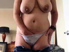Pulled Down My Jeans To Masturbate And Had A Huge Orgasm