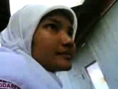 indonesia - jilbab hijab ngentot belakang bangunan