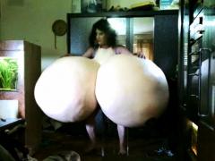 Huge Boobs Play Funny