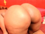 Big ass mature ebony masturbate