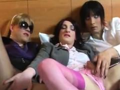 Hot Gay Handjob With Cumshot