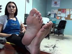 Foot fetish tugjob