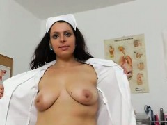 Carmelita having fun with a specula in her incredible milky